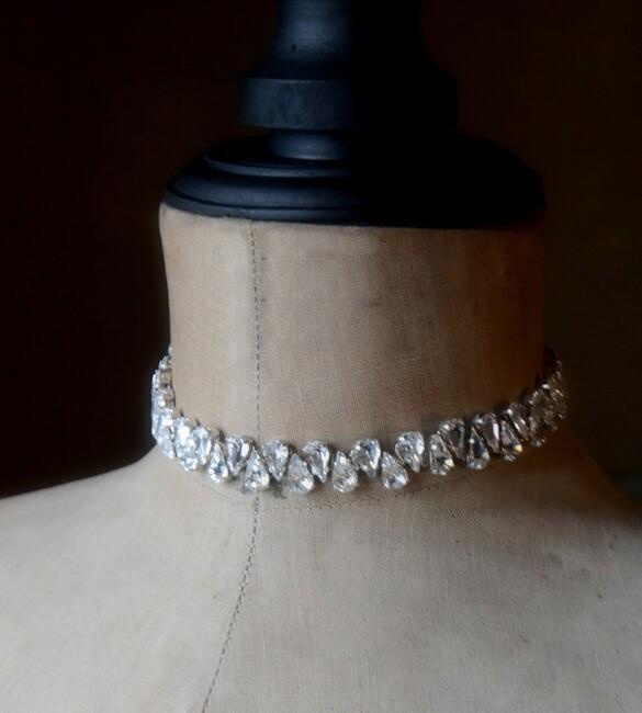 collier ras de cou en cristal